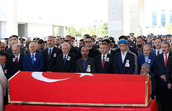 Barış Pınarı Harekatı şehidi Ahmet Topçu son yolculuğuna uğurlandı