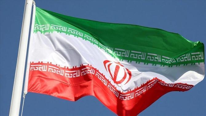 İran yerli üretim askeri eğitim uçağını tanıttı