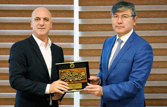 Türkiye-Kazakistan ticaretini artırmak için bir araya geldiler