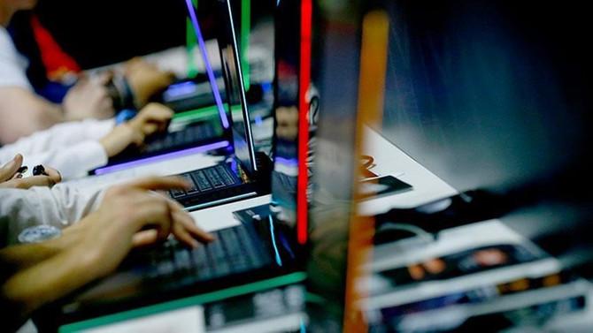 HP, tasarruf için 8000 kişiyi işten çıkaracak