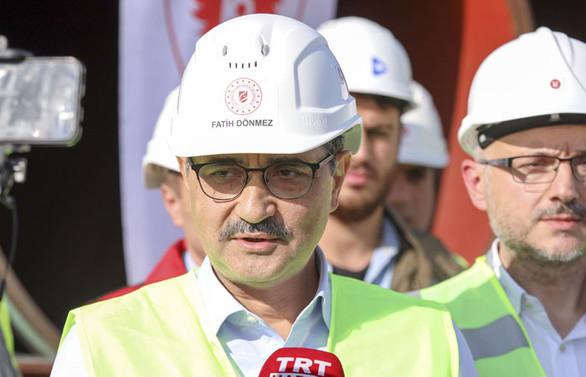 Bakan Dönmez: TürkAkım Projesi yıl sonuna kadar bitecek