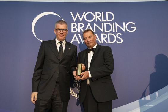 World Branding Awards'tan Özdilek'e yılın markası ödülü