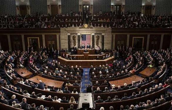 ABD Senatosu Hong Konglu protestocuları destekleyen yasa tasarısını kabul etti