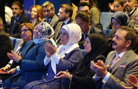 Emine Erdoğan: Kadın ruhunun daha etkin olacağı bir gelecek bizi bekliyor