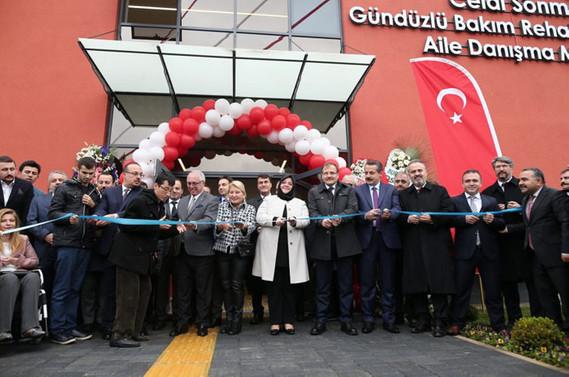 Celal Sönmez Gündüzlü Bakım Rehabilitasyon ve Aile Danışma Merkezi açıldı