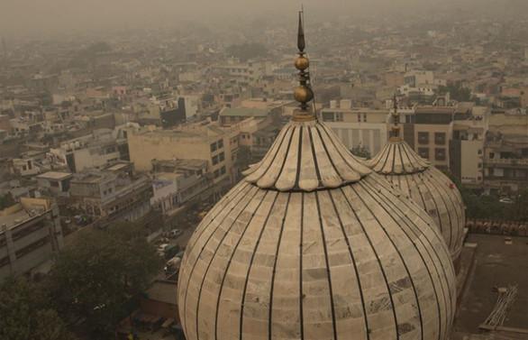Yeni Delhi'de hava kirliliği nedeniyle eğitime ara verildi