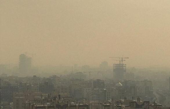 İran'da hava kirliliği nedeniyle eğitime yine ara verildi