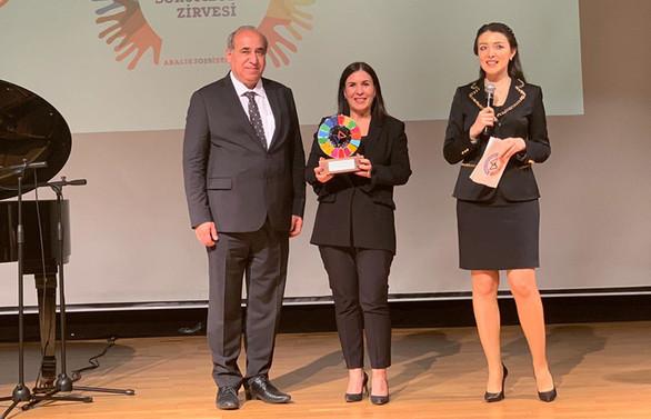"""AstraZeneca Türkiye'ye """"Hey Genç! Harekete Geç!"""" projesiyle KSS Zirvesi'nden ödül"""