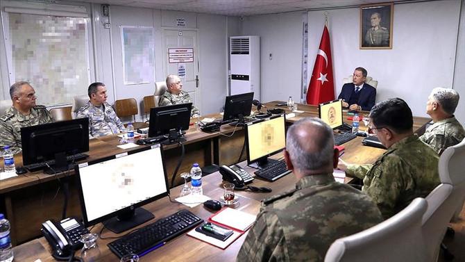 Bakan Akar: İdlib'de 12 gözlem noktasını boşaltmayacağız