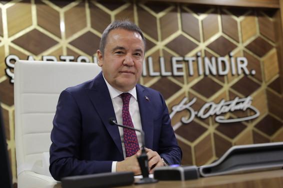 Antalya BB'de 3.5 milyar TL'lik bütçenin 1.5 milyar TL'si yatırıma