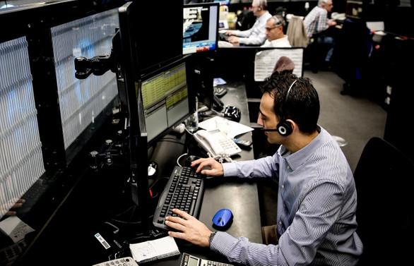 Yatırımcılar yoğun veri gündemine odaklandı