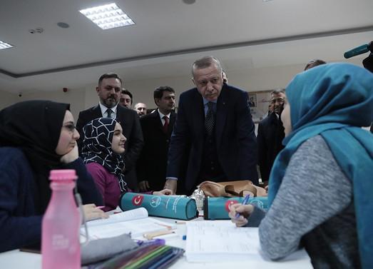 Erdoğan: Ankara'yı bizim metrobüsle tanıştırmamız lazım