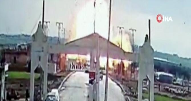 Suriye sınırında bomba yüklü araçla saldırı