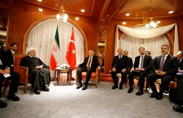 Erdoğan, Soçi'de Ruhani ile görüştü