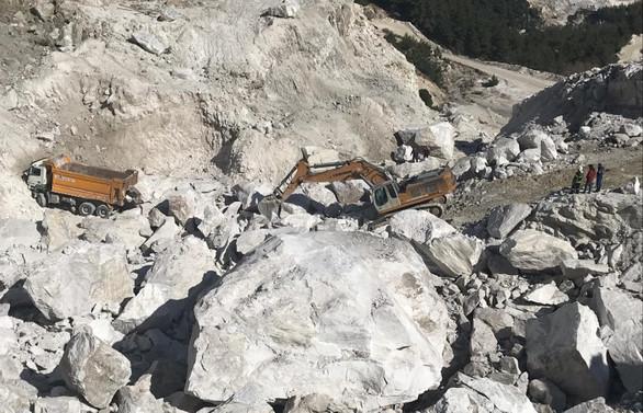 Madende heyelan: İşçileri kurtarma çalışması sürüyor