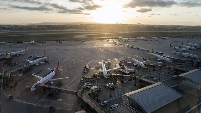 İstanbul havalimanları 2,7 milyon ton yükü omuzladı
