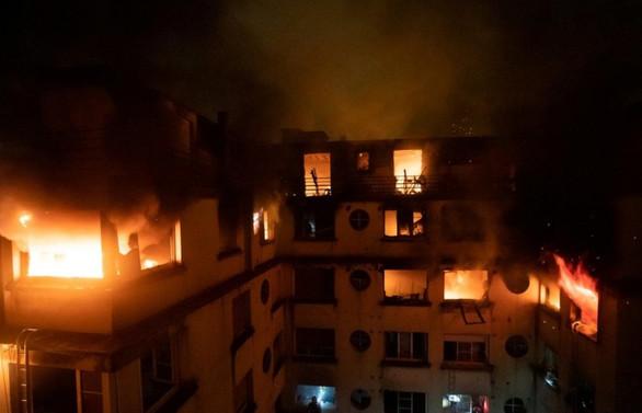 Paris'teki yangında ölü sayısı 10'a çıktı