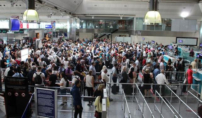 İstanbul'dan 2 ayda 15 milyon kişi uçtu
