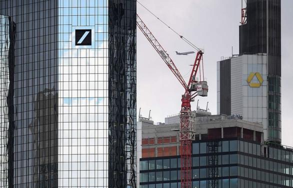 İki banka birleşme görüşmelerini doğruladı, işten çıkarma endişesi arttı