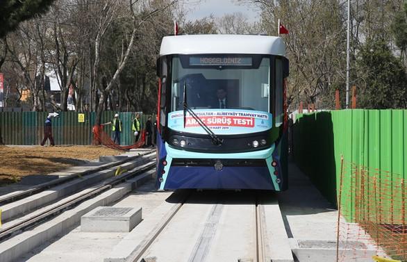 Katenersiz tramvay hattı test ediliyor