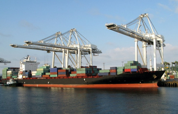 Dış ticaret açığı şubatta 2.1 milyar dolar