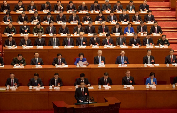 Çin büyüme hedefini yüzde 6-6,5 bandına çekti
