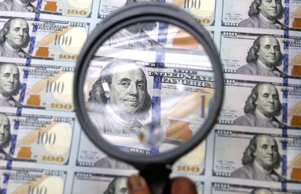 Dolar 5.40'ın altında tutunuyor, gözler TCMB'de