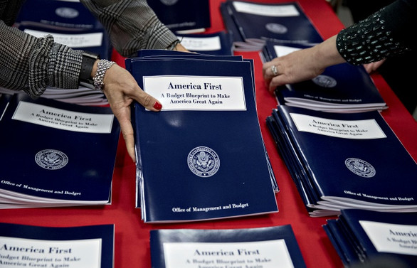 ABD'de bütçe harcamaları arttı, gelirler azaldı