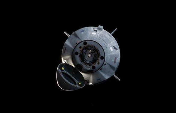 SpaceX'in mekiği Dünya'ya döndü
