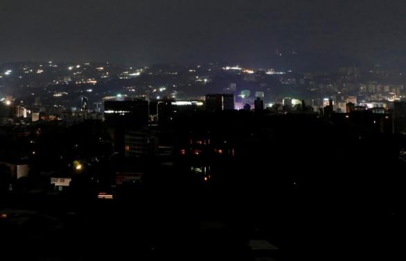 Venezuela'da elektrikler yeniden kesildi