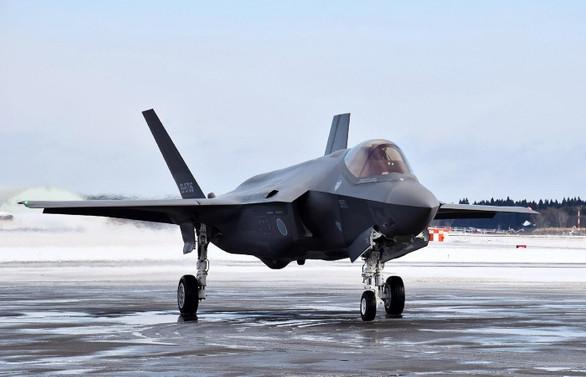 Japon F-35 uçağının pilotunu arama çalışmaları sürüyor