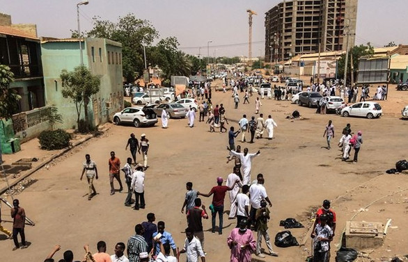 Sudan'da devrik lider ev hapsinde
