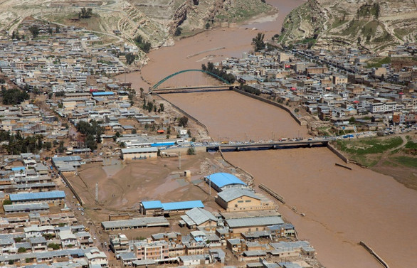 İran'da sel: Can kaybı 76'ya yükseldi