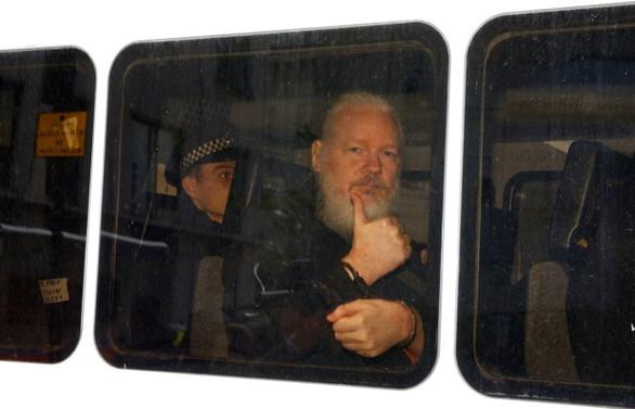 Wikileaks'in kurucusuna ne olacak?