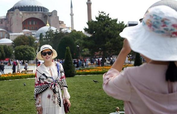 İstanbul 2019'da 15,5 milyon turist bekliyor