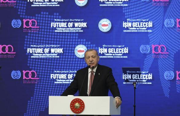 Erdoğan'dan FT'ye tepki: Ne yazarsan yaz