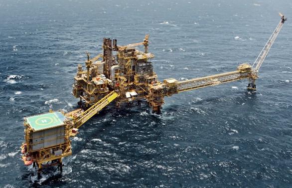 ABD arz endişelerini gideremedi; petrolde yüksek seyir sürüyor