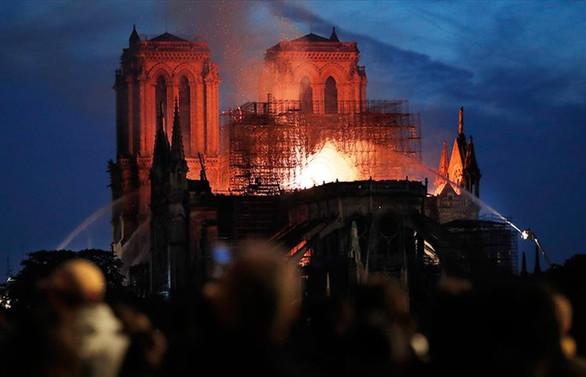 Tarihi katedral için yasa tasarısı