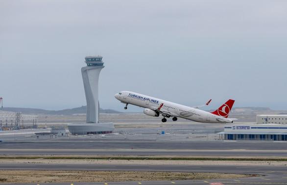 İstanbul'da uçuşlara başlandı