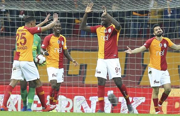 Galatasaray, 3 puanı 3 golle aldı