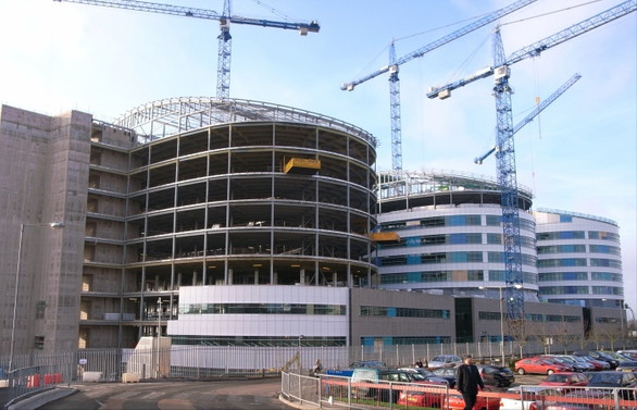 Rönesans, Rusya'da 15 hastane inşa edecek