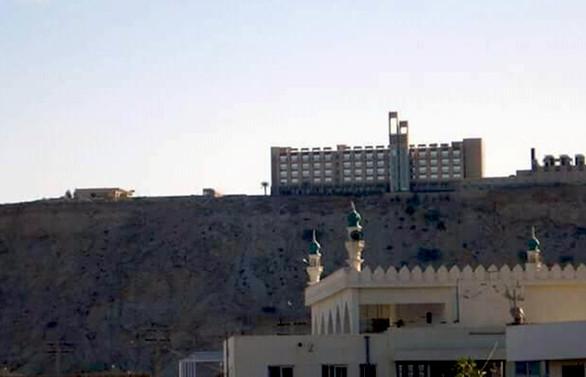 Pakistan'da 5 yıldızlı otele saldırı
