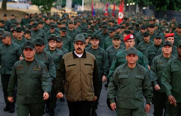 Maduro gövde gösterisi yaptı