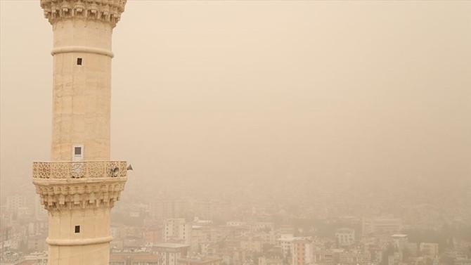 Meteorolojiden 'sağanak ve toz taşınımı' uyarısı