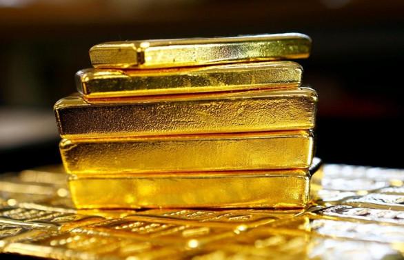 Petrol sert geriledi, altın değerlendi