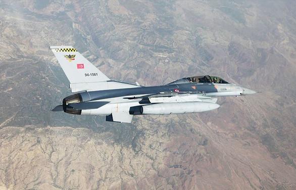 Pençe Harekatı'nda PKK'ya ait sığınak ve mühimmat depoları imha edildi