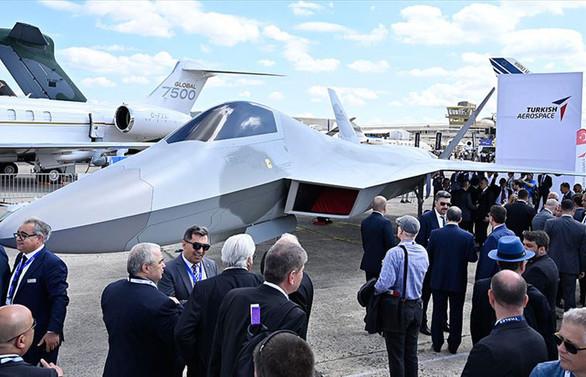 'Milli Muharip Uçağı' ilk kez Fransa'da tanıtıldı