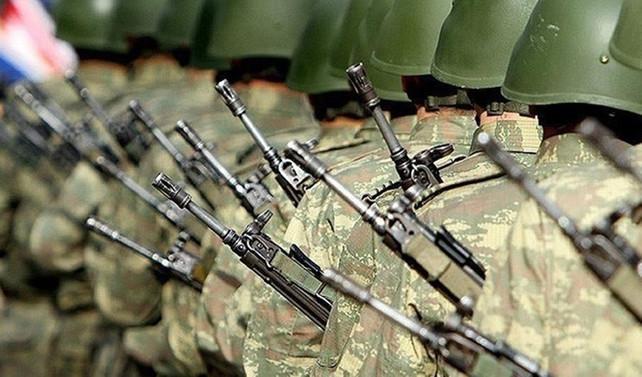 Askerliği altı aya indiren teklif kabul edildi