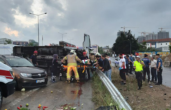 Maltepe'de zincirleme kaza: 4 yaralı