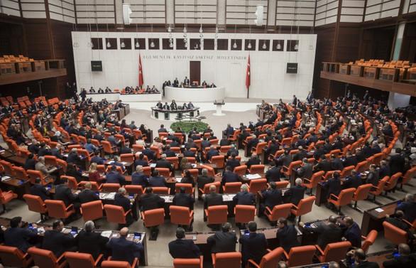 Askerlik yasa teklifinin ikinci bölümü kabul edildi